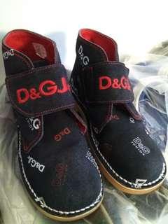 2nd靚鞋,Made in Italy,新年着了約3天,合約八歲小童,size 32