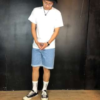 🚚 第二件六折*新品淺色牛仔小反折五分及膝短褲