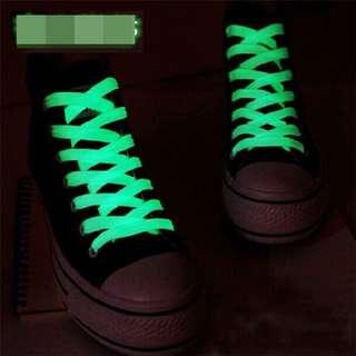 Tali sepatu glow in the dark