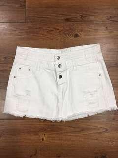 🚚 白色短裙(褲)