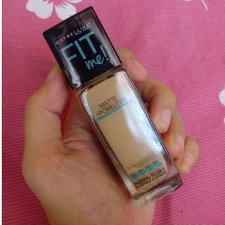 Maybelline Fit Me! Matte and Poreless (No. 220)