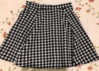 Houndstooth tennis skirt
