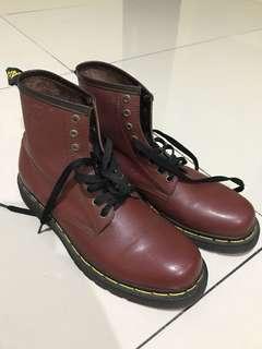 Sepatu booths