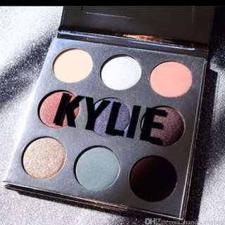 Kylie 2016 Kyshadow Holiday edition Palette