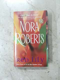 Red Lilly - Nora Roberts