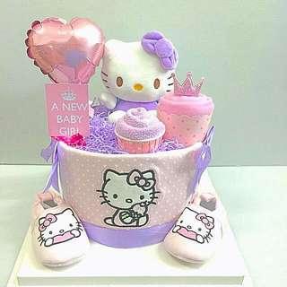 Ready stock- Hello Kitty Diapers Cake