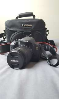 Canon EOS 700D (+ lens + Bag + Charger + 1 Extra battery)