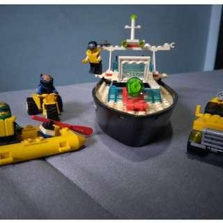 LEGO POLICE RESCUE BOAT