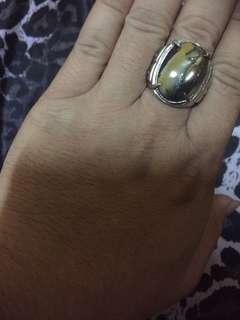 19圍龍紋石戒指