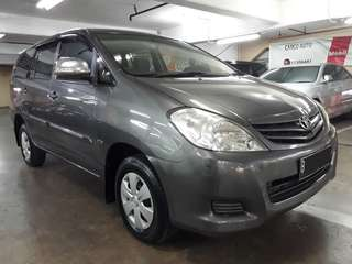 Toyota Innova E 2.0 .bensin MT th.2010 .(cash/credit -tenor maksimal 4th. /bisa tt)