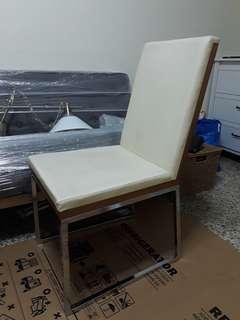 Chair(Cream colored)