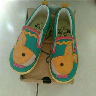 🚚 全新 藍色黃底 童平底鞋16.5號出清