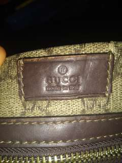 Preloved Gucci sling bag with serial