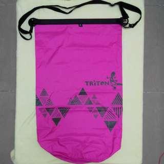 Triton Waterproof Dry Bag 8 Lt  紫紅色防水袋8Lt