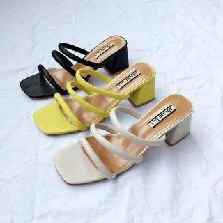 🚚 2018夏季新款女鞋 韓版簡約粗跟涼鞋