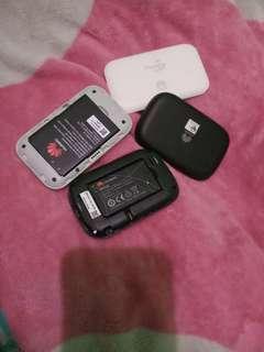 2 pocket wifi (smartbro,huawei)
