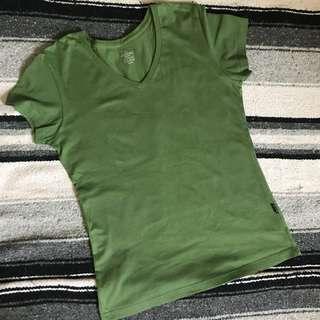 V-neck shirts bundle and branded!!! ❤️