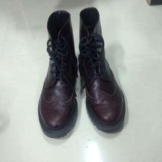 🚚 Dr Martens 馬丁雕花靴