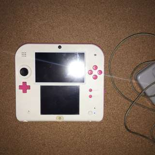Pink 2DS with charger