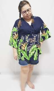 Plus size Flowery Long sleeves top fits uk 16 to uk 24