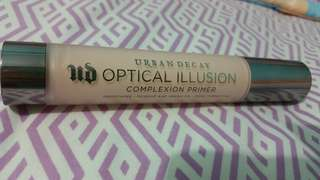 Urban Decay Optical Illusion Primer (etude house pore Laura)