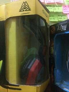 Mouse gaming + Headset gaming seperti baru