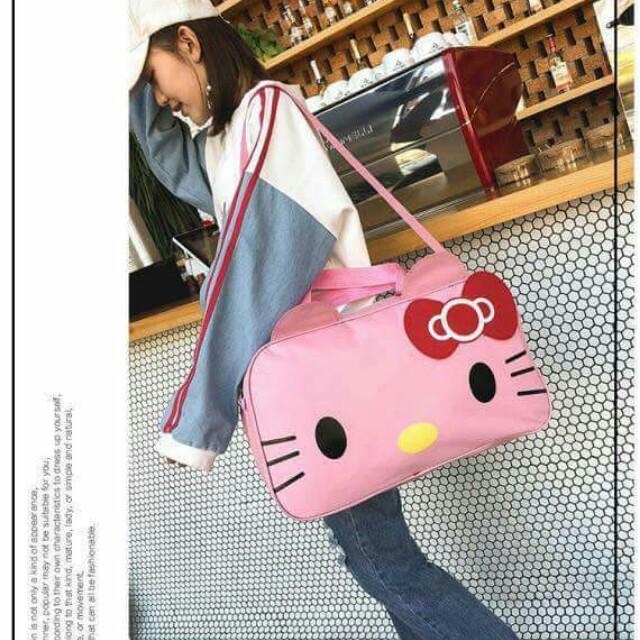 822229a5a9 Hello Kitty Travel Bag
