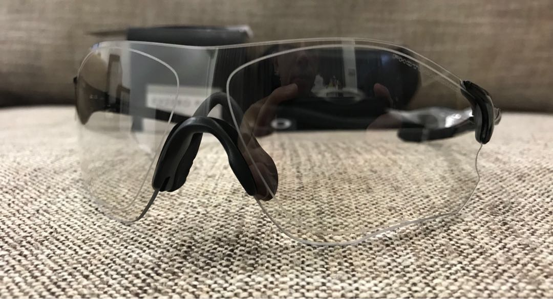 13169e3303 Oakley™ EV ZERO Path (Polished Black Clear Black Iridium Photochromic)