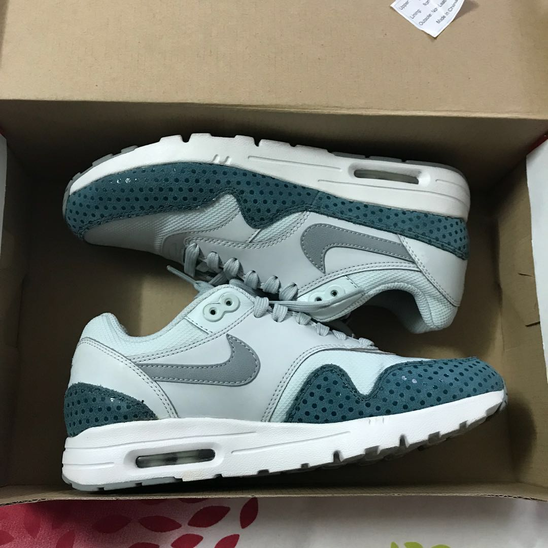 Details about Nike Air Max 1 Ultra Essentials Womens 9.5 Light Grey Pink 704993 008 NEW