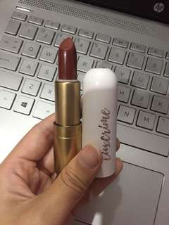LUXCRIME LIPSTICK IN HER MAJESTY