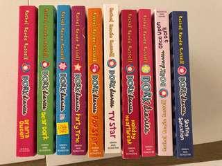 Dork Diaries set 10 books (99.9% new)