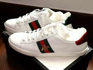 AUTHENTIC GUCCI BEE SNEAKERS - SIZE 39&1/2 - LIKE NEW ! - WITH CARDS, DUSTBAG & BOX - (BOUGHT AT AROUND RM 2500+ )