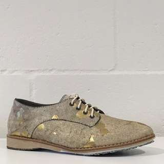 [BNWT - NEW] Rollienation Sage Gold Splat Derby Shoes - Calf Hair