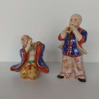 One set of 2 pieces Vintage Sculpture Porcelain Chinese Figurines Performers Playing Musical Instruments