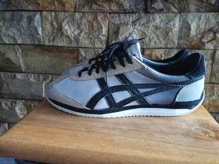 Sepatu tiger onitsuka size 40