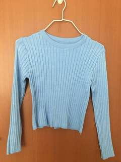 Blue knitted long sleeve top