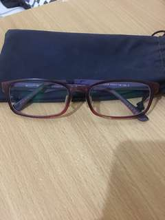 Frame Kacamata Ungu