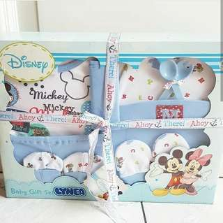 Disney newborn deluxe set