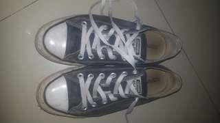 Converse size 41 Ori