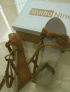 Studio nine wedges