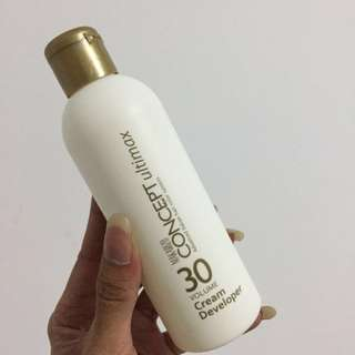 Makarizo Bleaching Powder and  Cream bleach Radiant ( satu paket )