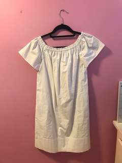 Aritzia Lunette Dress Size Small in White