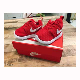 BNIB Nike Roshe One Baby Shoes