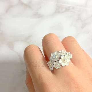 MADE IN KOREA Very Pretty White Flower Crystal Ring 白色閃石花戒指