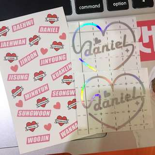 Wannaone韓飯製hologram sticker x2+貼紙