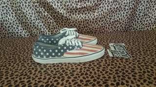 Vans Van Doren USA Flag Sneaker Second Sepatu Bekas Branded import