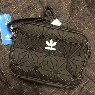 🚚 現貨💙愛迪達 菱格紋包包 手提包 肩背包 側背包