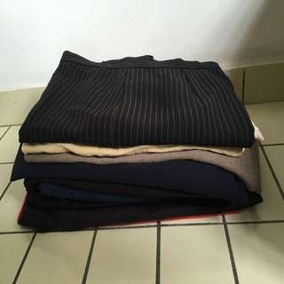 Pre-loved women's pants and 1 skirt (22 items)