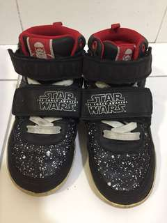 H&M 5-6Y Star Wars storm troopers boys shoes