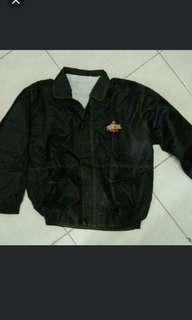 #mausupreme jaket parasit hitam